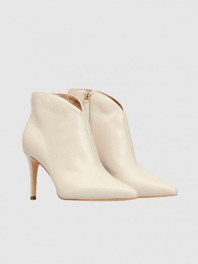 Boots Woman Cream Guess